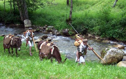 Un groupe de speculatores en marche à la recherche d'un emplacement pour un castra aestiva