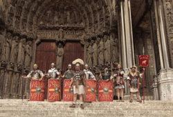 Légionnaires romains devant la cathédrale de Chartres