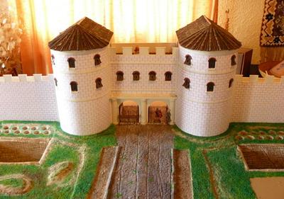 ... et du diorama de la porte monumentale du camp de Mirebeau sur Bèze