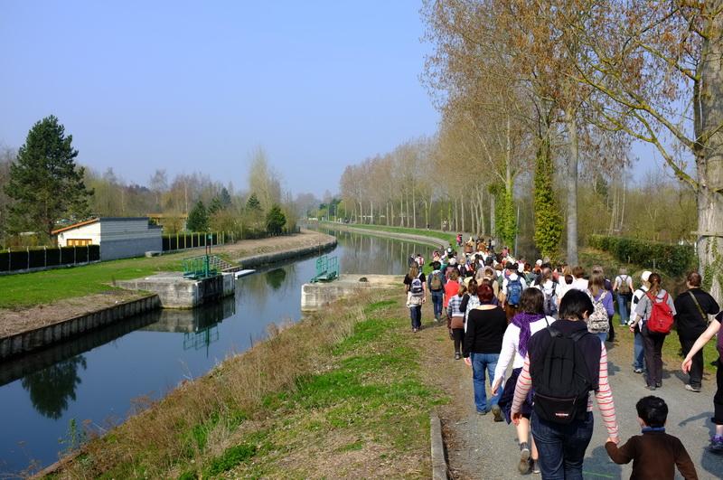 le public d'Amiens accompagne les légionnaires