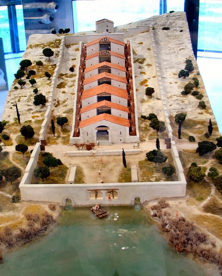 Maquette exposée au Musée Départemental de l'Arles Antique
