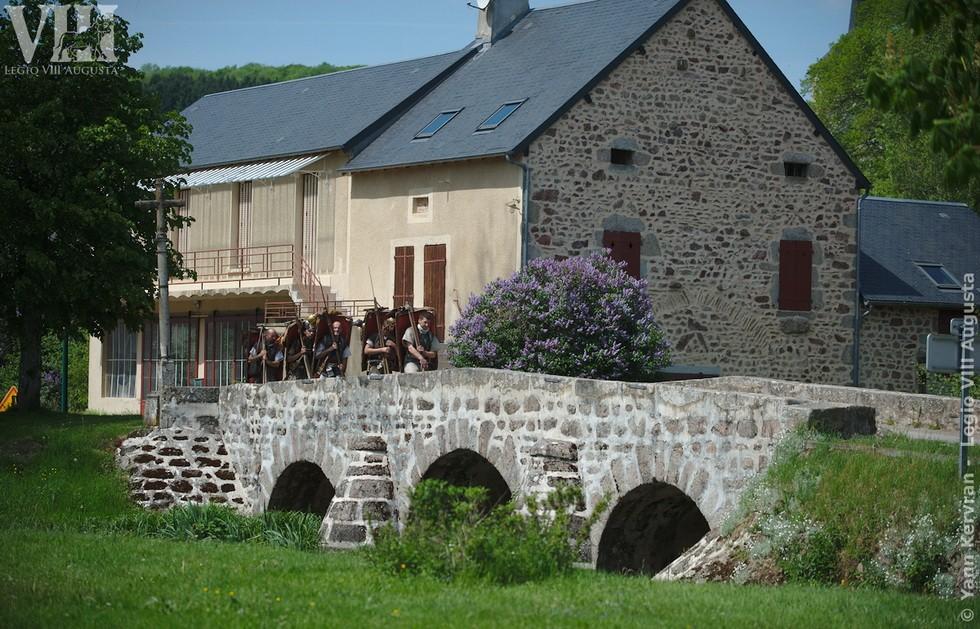 passage du pont à Alligny en Morvan