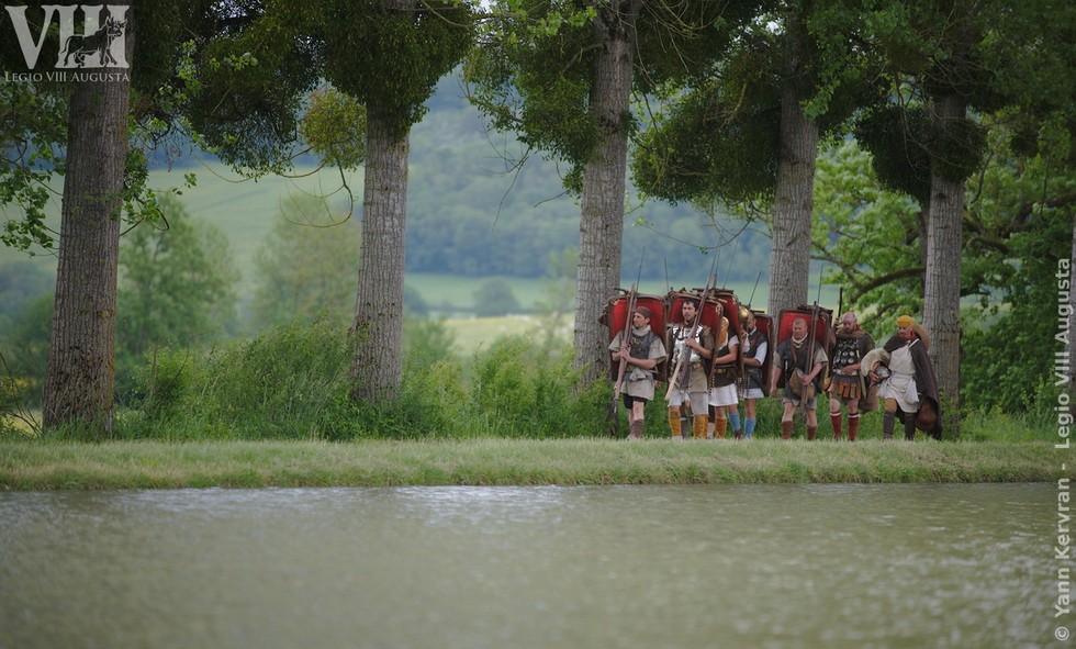 progression de la colonne de marche des lectionnaires de la Legio VIII Augusta