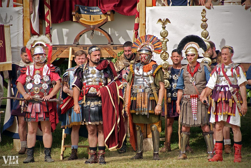 Hadrien et ses hommes.