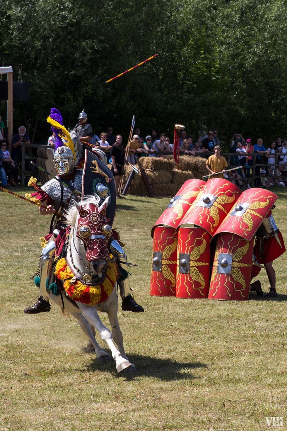 Démonstration de la cavalerie romaine.