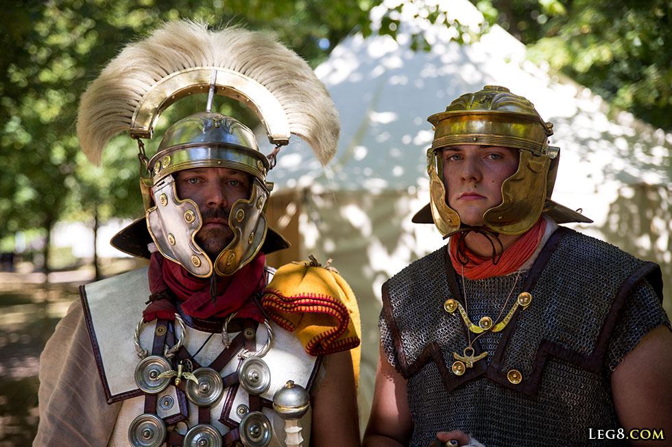 Le centurion et une jeune recrue
