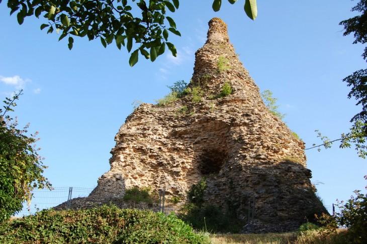La pierre ou Pyramide de Couhard