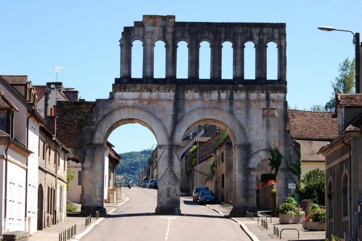 porte d'Arroux, vue intérieur de la ville