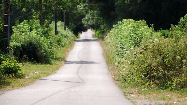 """à la sortie d'Autun et à proximité d'Auxy, direction Chalon sur Saône , surnommée la """"vielle route"""" cette voie goudronnée est située sur l'ancienne via Agrippa."""