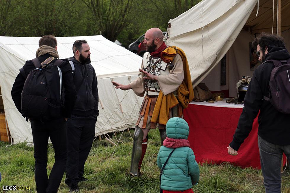 Le centurion fait de la médiation culturelle
