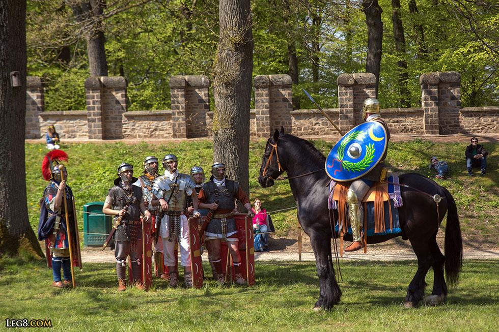 Cavalerie romaine. Il n'a pas d'étriers.