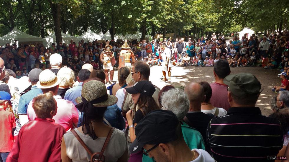 Beaucoup de monde pour venir voir les gladiateurs