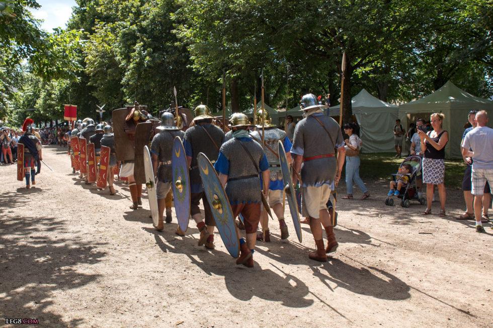 Les auxiliaires protègent les arrières